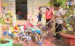 Các trường mầm non vệ sinh trường lớp chuẩn bị đón trẻ