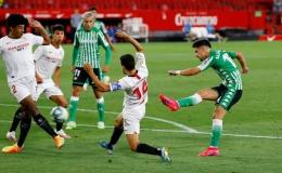 """""""Ronaldo Argentina"""" lập công, Sevilla thắng tưng bừng ngày La Liga trở lại"""