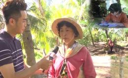 Người phụ nữ làm nghề bẻ dừa nuôi con ăn học