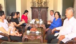 Chuyên đề 22.7 – Gia đình ông Nguyễn Thanh Thảo, một điển hình gia đình hiếu học