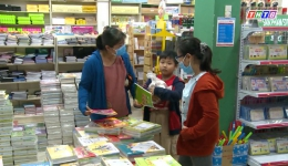 Thị trường sách giáo khoa nóng từ đầu hè