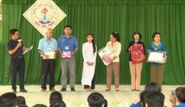 Hoàn ảnh em Đinh Đoàn Kim Thanh, lớp 12 A3 trường THPT Lưu Tấn Phát