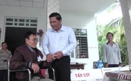 Thăm và tặng quà gia đình chính sách nhân kỷ niệm 80 năm Ngày truyền thống Lực lượng vũ trang tỉnh Tiền Giang