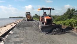 Chuyên đề 25.9 – Gò Công Đông đầu tư nâng cấp mặt đường, đê biển