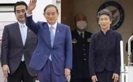 Thủ tướng Nhật Bản Suga Yoshihide và Phu nhân tới Hà Nội, bắt đầu thăm chính thức Việt Nam