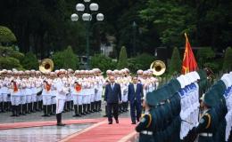 Toàn cảnh lễ đón chính thức Thủ tướng Nhật Bản Suga Yoshihide tại Phủ Chủ tịch