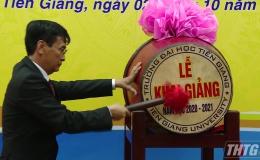 1.267 tân sinh viên Trường Đại học Tiền Giang dự khai giảng năm học mới