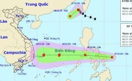 """Bão số 11 vừa suy yếu, áp thấp nhiệt đới mới """"nối đuôi"""" vào Biển Đông"""