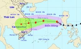 Bão số 10 sẽ suy yếu khi vào bờ và gây mưa lớn ở các tỉnh miền Trung