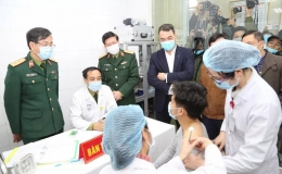 Tiêm thử nghiệm vaccine Nano Covax liều mạnh nhất