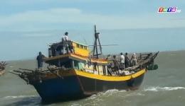 Tình người trong hoạn nạn trên biển