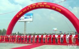 Thủ tướng Nguyễn Xuân Phúc cắt băng thông tuyến Cao tốc Trung Lương – Mỹ Thuận