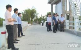Thứ trưởng Bộ NN&PTNT kiểm tra công tác triển khai thực hiện dự án VnSAT tại Tiền Giang