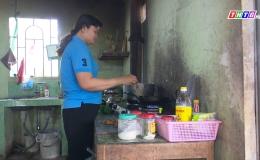Chuyên đề 18.3 – Chị Trần Thị Việt Ngân giỏi việc công, đảm việc nhà xây dưng gia đình văn hóa