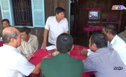 Chuyên đề 15.7 – Đội Biên phòng Phú Tân  thực hiên tốt công tác phổ biến pháp luật