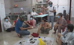 Công an Chợ Gạo bắt quả tang tụ điểm đánh bài có nhiều phụ nữ tham gia