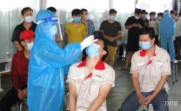 """Tiền Giang có 6 công ty thực hiện phương án """"3 tại chỗ"""" phát hiện dương tính với SARS-CoV-2"""