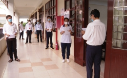 Thí sinh Tiền Giang bước vào ngày thi đầu tiên của kỳ thi tốt nghiệp THPT đợt 2 năm 2021