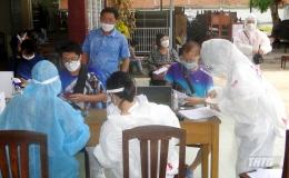 Tiền Giang tiêm vắc-xin phòng Covid-19  Sinopharm cho công dân Trung Quốc