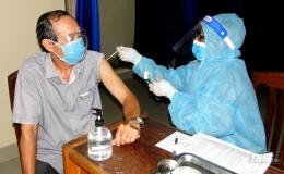Tiền Giang triển khai tiêm vắc xin Pfizer đầu tiên theo nhóm đối tượng ưu tiên đợt 5