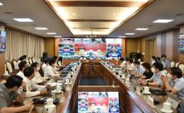 Thủ tướng yêu cầu tìm nguồn vắc-xin tiêm cho học sinh