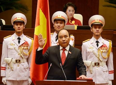 Thủ tướng Chính phủ Nguyễn Xuân Phúc tuyên thệ nhậm chức trước Quốc hội. (Ảnh: DUY LINH)