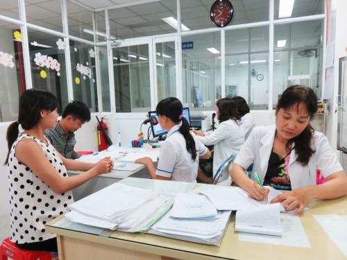 1. Ekip truc benh vien phu san tuc truc 24-24 de san sang chao don cong dan dau tien