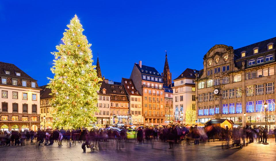 Chợ Giáng sinh nổi tiếng châu Âu vào mùa rộn ràng chào đón du khách