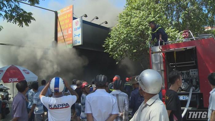 Cháy cửa hàng xe gắn máy tại thành phố Mỹ Tho