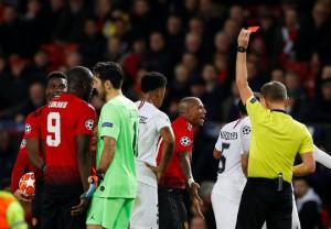 Bi kịch thẻ đỏ Pogba, Man United thua thảm tại Old Trafford