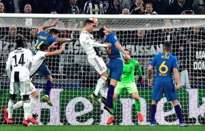 Ronaldo lập hat-trick, Juventus ngược dòng kỳ vĩ tại Turin