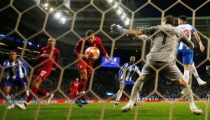 """Siêu tiền đạo lập công ở """"hang rồng"""", Liverpool vào bán kết Champions League"""