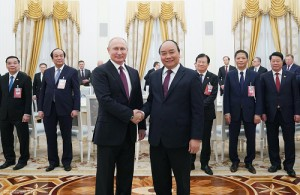 Thủ tướng Nguyễn Xuân Phúc hội kiến Tổng thống Nga Putin
