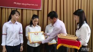 Trường Đại học Tiền Giang tôn vinh người hiến máu tình nguyện