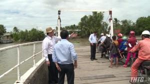 Chủ tịch UBND tỉnh Tiền Giang khảo sát dự án Cầu Bình Xuân