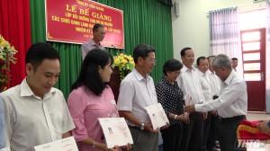 Bế giảng lớp bồi dưỡng cán bộ dự nguồn các chức danh lãnh đạo