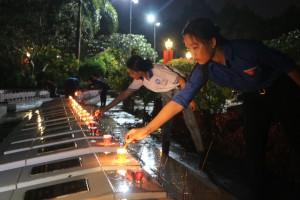 Tuổi trẻ Tiền Giang thắp nến tri ân các anh hùng liệt sỹ