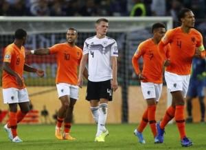"""Vòng loại EURO 2020: """"Lốc da cam"""" Hà Lan thổi bay """"xe tăng"""" Đức"""