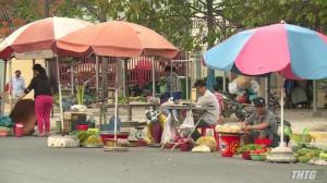 Chuẩn bị phương án di dời người buôn bán hàng rong trong KCN Tân Hương