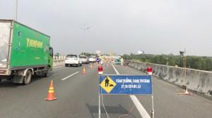 Sửa chữa các khe co giãn trên tuyến cao tốc TPHCM – Trung Lương