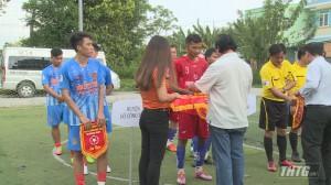 Khai mạc giải bóng đá truyền thống nông thôn tỉnh Tiền Giang 2019