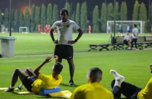 Đội tuyển Malaysia giấu bài trong buổi tập đầu tiên tại Việt Nam