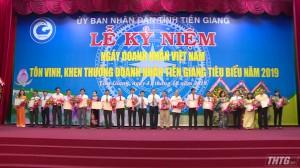 Tiền Giang tôn vinh và khen thưởng 61 doanh nhân tiêu biểu