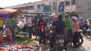 Di dời các hộ bán hàng rong ra khỏi Khu công nghiệp Tân Hương