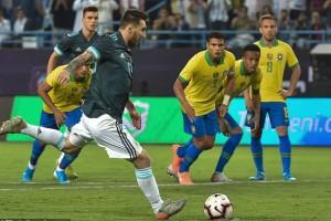Messi tái xuất, Argentina đoạt cúp siêu kinh điển Nam Mỹ