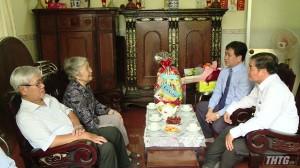 Phó Chủ tịch UBND tỉnh thăm cán bộ lãnh đạo ngành giáo dục nhân kỷ niệm ngày Nhà giáo Việt Nam