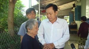Ban ATGT tỉnh Tiền Giang thăm gia đình nạn nhân bị tai nạn giao thông