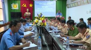 Tiền Giang tăng cường kiểm tra xe đưa rước công nhân