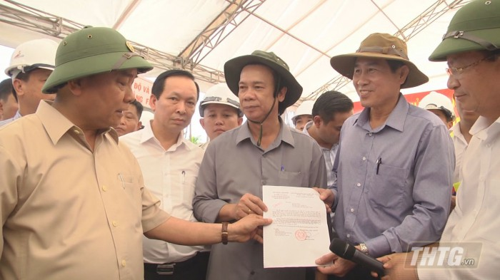 Thu-tuong-kiem-tra-duong-cao-toc-4-700x393