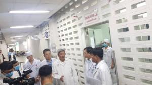 Thứ trưởng Bộ Y tế tiếp tục đến BV Chợ Rẫy kiểm tra công tác phòng chống corona